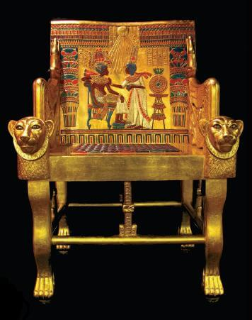 A golden throne for the deceased King.