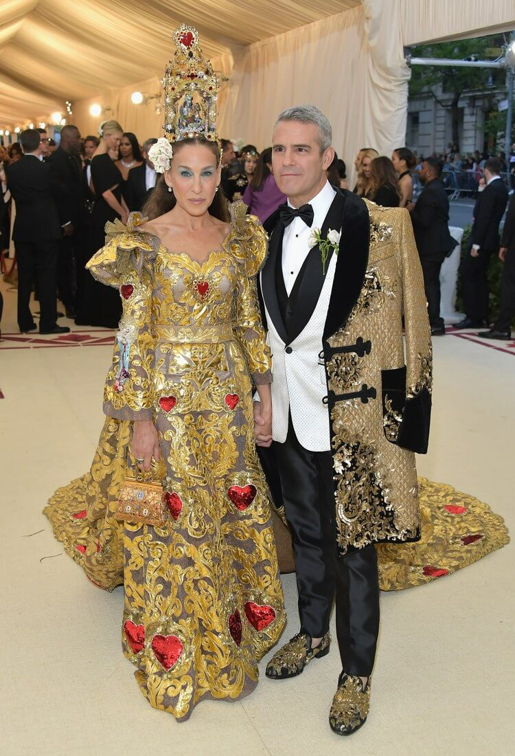 Sarah Jessica Parker and Andy Cohen, both in Dolce & Gabbana.
